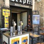 """Tireuse à bière Marseillaise """"LA CAGOLE"""" en été"""