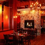Twigs Tavern and Grille Dining