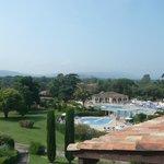 Blick auf den Pool vom Balkon unseres Appartments