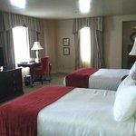 Double room adjoining the suite, making 272, 274 and this room a 3 bedroom suite.