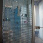 Ванная комната за жалюзями