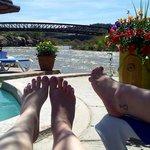 Relaxing by springs awww