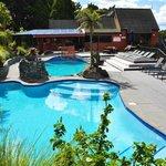 Pools & lounge