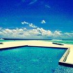 Blu beach and pool