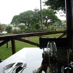 За столом, вид на территорию отеля