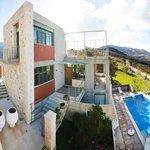 villa overview photo