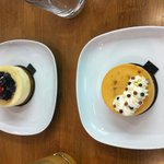 Cheese cake chocolat blanc fruit rouge  et cheese cake caramel pécan