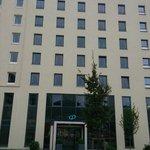 hotel exterior from U bahn stio