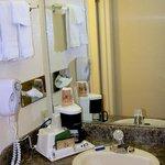 Bathroom & Amenties