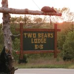 Two Bears Lodge Bed and Breakfast Foto