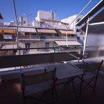 Балкон со стульями