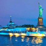 Bateaux New York Ship