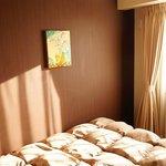 single room (bed/window)