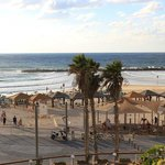 Пляж и набережная