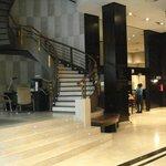 Zona de recepción y ascensores