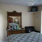 6. Deluxe one bedroom: bedroom