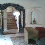 un salon dans le lobby