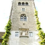 Building entrance tower