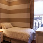 Callender Room - Rosneath Bed and Breakfast London ON
