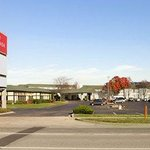 Welcome to the Ramada Elk Grove Village/OHare Airport