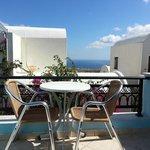 Balcon avec vue sur la mer Égée