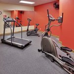CountryInn&SuitesMtMorris FitnessRoom