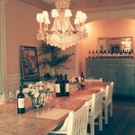 Elegant wine tasting in Villa Miravalle