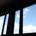 Amplísimos ventanales a través de los que contemplar el cielo de Florencia.