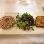 Tartare de saumon et dorade aux  condiments