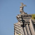 detalle del tejado del templo