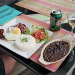 Delicioso bife a cavalo com guaraná