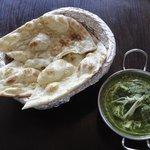 Garlic Naan i Palak Paneer