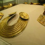 Gold jewelry from the Bronze Age