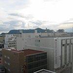 部屋からの眺望(函館山と丸井今井)