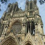 Façade et Flêches Notre Dame de Reims