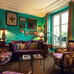The turquoise lounge library/les3chambres-paris