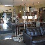 Réception et petit salon, Hôtel Resto-Pub Roquemont
