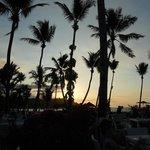tramonto vicino alla piscina
