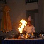 cuisinier, crevettes flambées