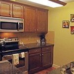 Very nicely furnished kitchen.
