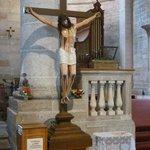 Der Christus wurde an die Kanzel gerückt