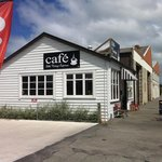 Outsied Little Vintage Cafe