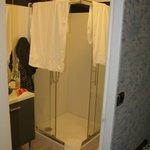 douche chambre n°8