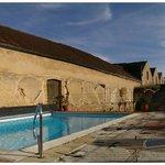 Pool auf dem alten Fabrikgelände