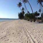 la plage pas franchement surpeuplee