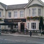 Big pub with average food.