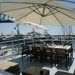 Have your breakfast, tapas lunch or paella diner while enjoying life at the marina!