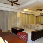 Club Suite - living & dining room