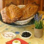 Le pain maison et quelques produits locaux