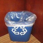 LOVE LOVE LOVE this recycle bin